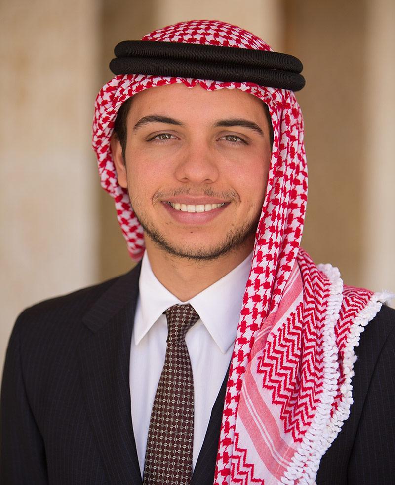 """ولي العهد يطلق مبادرة """"ض"""" للحفاظ على مكانة اللغة العربيّة"""